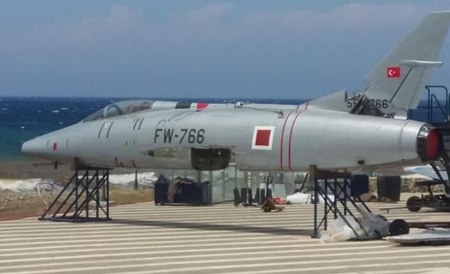 Cengiz Topel Anıtı'na yeni uçak