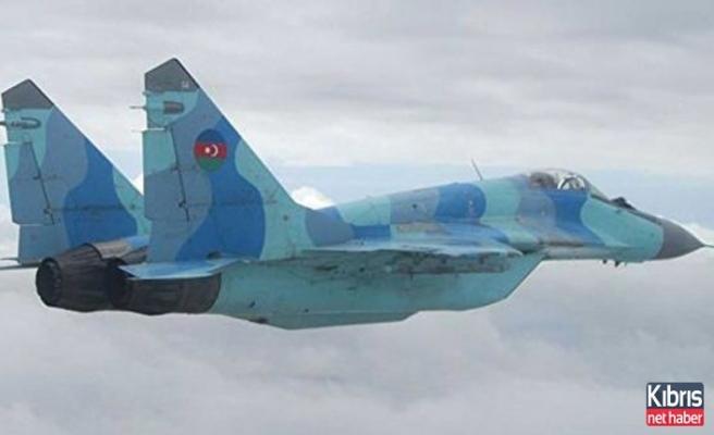 Azerbaycan savaş uçağı için Türkiye'den yardım istedi