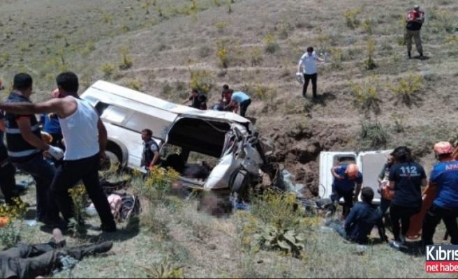 Van'da feci kaza: Çok sayıda ölü ve yaralılar var
