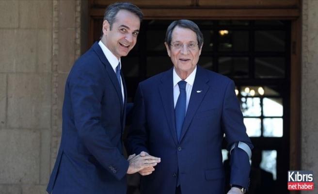 Anastasiadis Yunanistan Başbakanı Miçotakis ile Görüştü