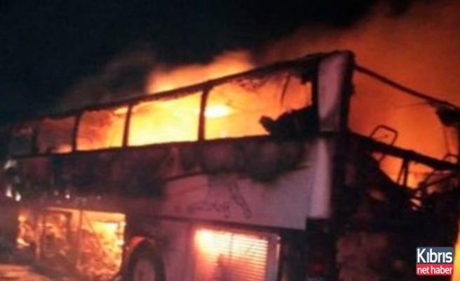 Kaza yapan umre otobüsü alev aldı: 35 ölü, 4 yaralı