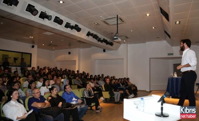 """LAÜ'de """"Engel Tanımayan Doktor"""" konulu konferans gerçekleşti"""