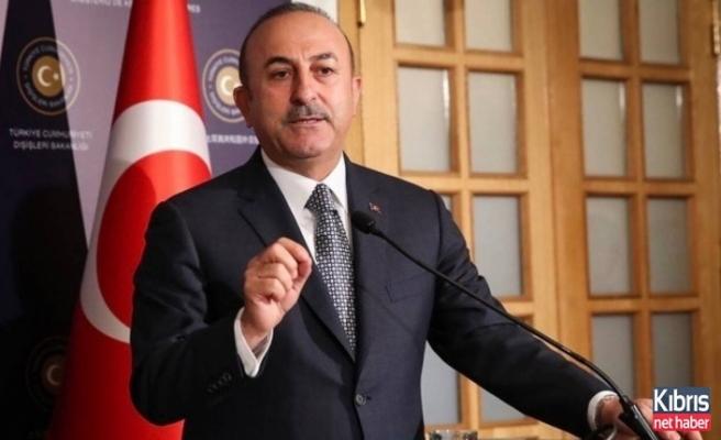 Akıncı seçim zamanı Türkiye'yi malzeme etmeye çalışıyor