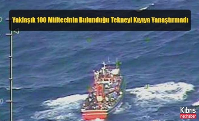 Yaklaşık 100 Mültecinin Bulunduğu Tekneyi Kıyıya Yanaştırmadı