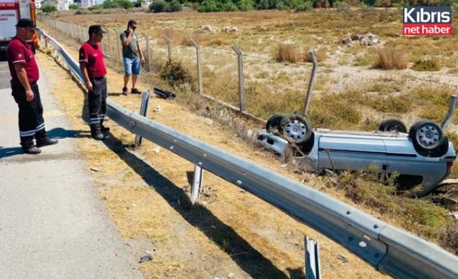 80 yaşındaki sürücü aracı'nın kontrolü'nü kaybetti bariyerlere çarptı