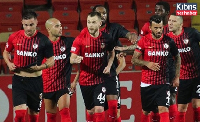 Gaziantep FK 'rengarenk'
