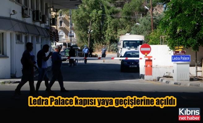 Ledra Palace kapısı yaya geçişlerine açıldı