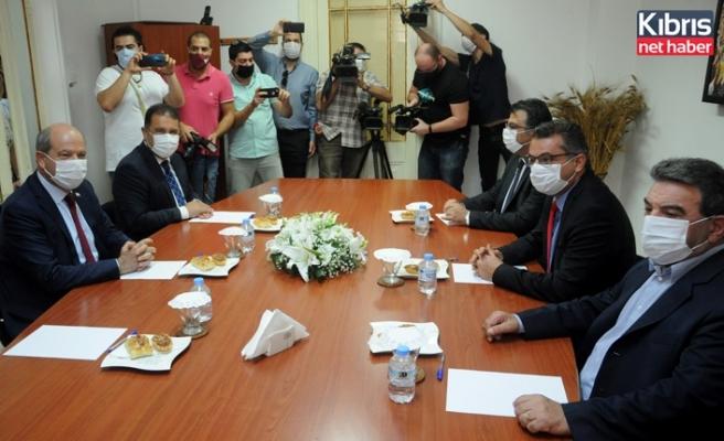 Başbakan Tatar, CTP'yi ziyaret etti
