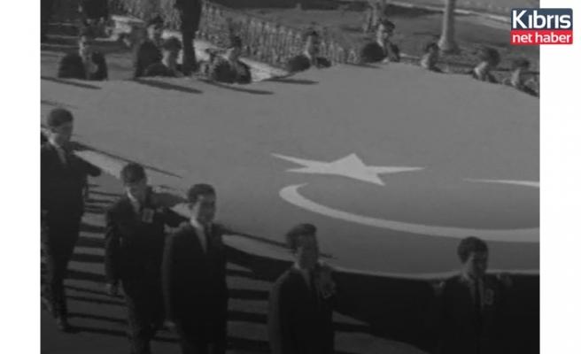 60 Yıl önce Kıbrıs'ta Atatürk'ü anma görüntüleri