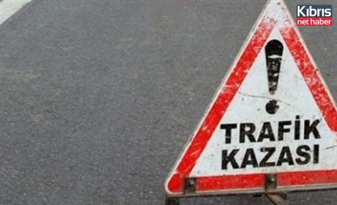 Girne turizm limanında kaza sonucu tırda sıkışan tır şöförü kurtarılarak hastaneye sevk edildi