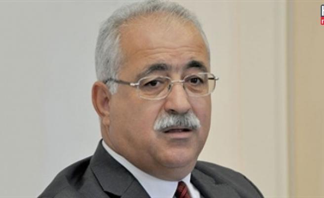 İzcan, Özker Özgür'ün ölüm yıldönümü vesilesiyle mesaj yayınladı