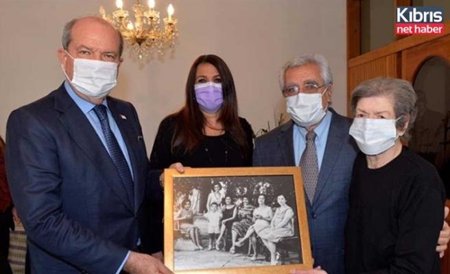 Cumhurbaşkanı Tatar Kamuran Celal Tarhan'ı evinde ziyaret etti