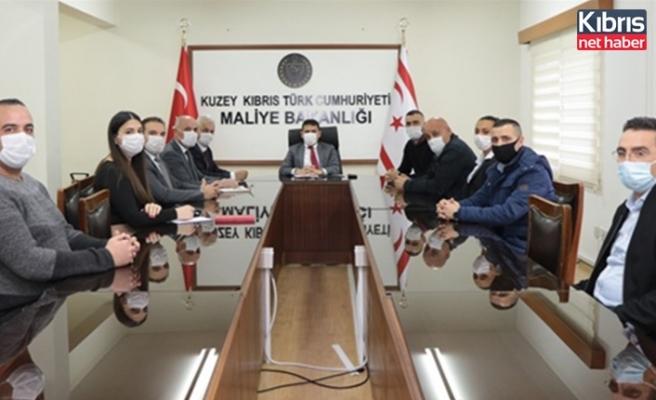 Maliye Bakanı Oğuz, GÜÇ-SEN heyetiyle biraraya geldi