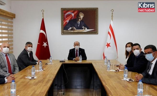 Tatar, LAÜ'yü ziyaret ederek, bir grup akademisyenle Kıbrıs konusunda değerlendirmelerde bulundu