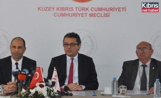 3 Muhalefet Partisinden Pilli'nin Görevden Alinmasina Tepkiler