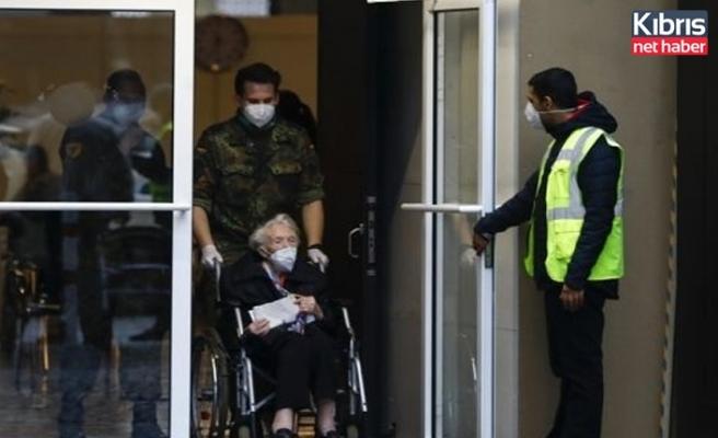 Almanya'da son 24 saatte korona virüsten 534 ölüm