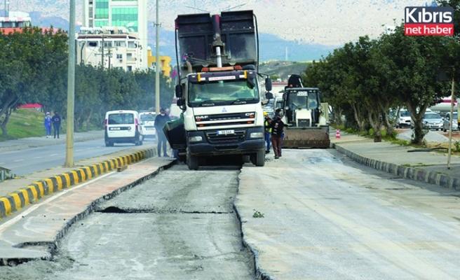Lefkoşa'da 2 caddede asfaltlama çalışması