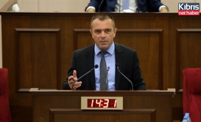 Şahiner, Meclis toplantılarının ertelenmesini eleştirdi