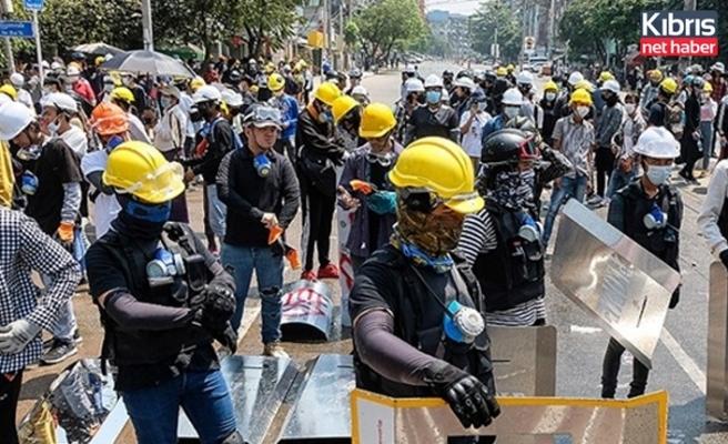 Myanmar'da darbe karşıtı gösterilerde 7 kişi öldü