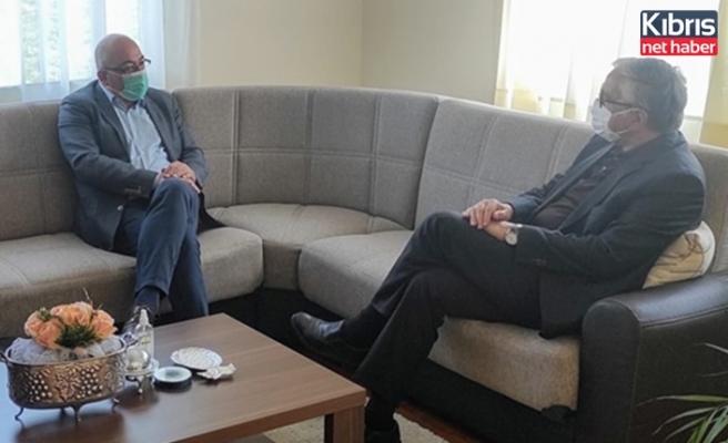 4. Cumhurbaşkanı Akıncı, ofisinde Kızılyürek'i kabul etti