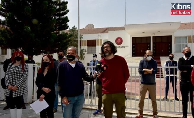 Bağımsızlık Yolu, meclis önünde eylem ve basın açıklaması yaptı