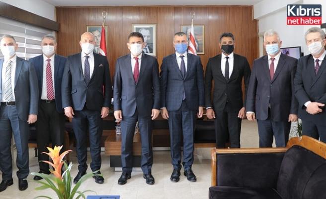 Bakan Oğuz, Kuzey Kıbrıs Bankalar Birliği heyetini kabul etti