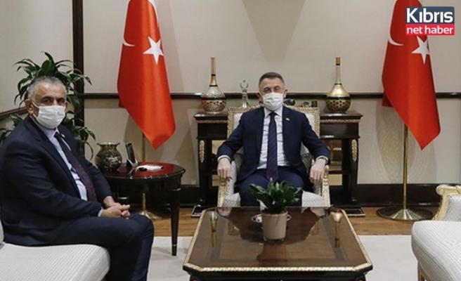 Çavuşoğlu, Türkiye Cumhurbaşkanı yardımcısı Oktay ile görüştü