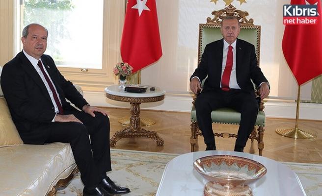 Erdoğan, Tatar ile Cumhurbaşkanlığı Külliyesi'nde bir araya geldi