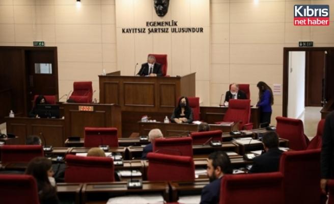 Hükümetin Ve Muhalefetin Erken Seçim Tarihine İlişkin Önerilerinin Komitede Görüşülmesi Onaylandi