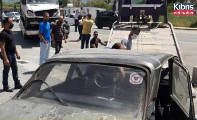 Lapta'da kaza yapan araç takla atarak durdu