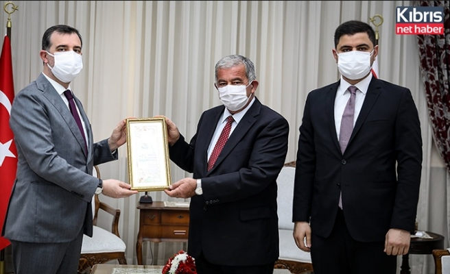 Sennaroğlu, İslam İşbirliği Teşkilatı Gençlik Formu heyetini kabul etti