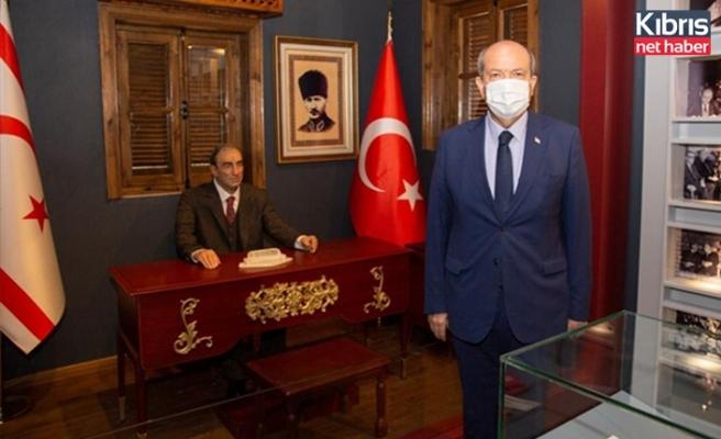 Tatar, Alpaslan Türkeş'in Lefkoşa'da müze haline getirilen evini ziyaret etti
