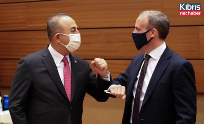 Türkiye Dışişleri Bakanı Çavuşoğlu, Raab ile görüştü