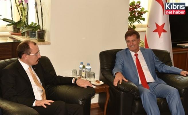 Arıklı, TC Ticaret Bakanı Muş ile görüştü