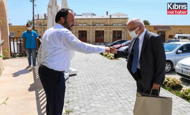 Başkonsolosluğa atanan İlyas Çetin, İskele Belediye Başkanı Hasan Sadıkoğlu'nu ziyaret  etti