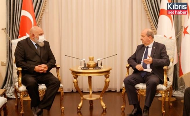 Cumhurbaşkanı Tatar, Genç Mücahitler Derneği başkanı Kurumanastırlı'yı kabul etti