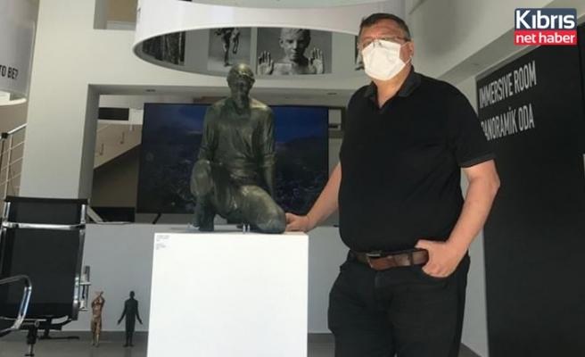 Dizdarlı'dan Asil Köylü heykeline destek