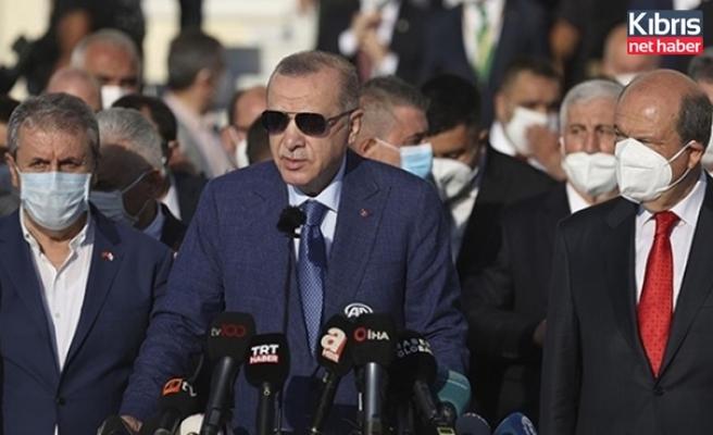 Cumhurbaşkanı Tatar İle Türkiye Cumhuriyeti Cumhurbaşkanı Erdoğan Bayram Namazını Kıldı