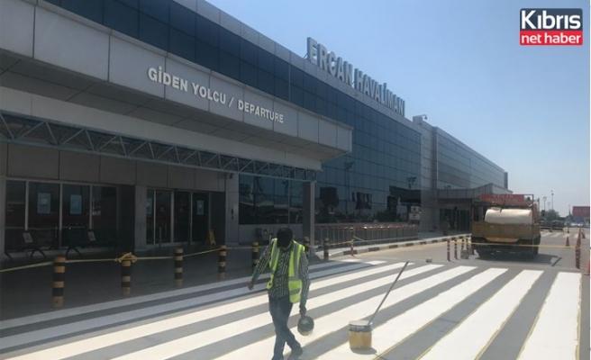 T&T Ercan Havalimanı'nın önündeki yol çizgileri boyandı