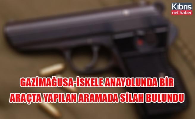 Gazimağusa-İskele anayolunda bir araçta yapılan aramada silah bulundu