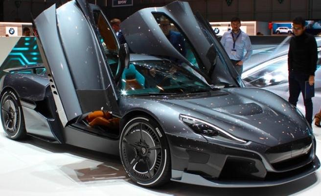 2.1 milyon dolarlık otomobil Rimac C_Two adeta kapışıldı!
