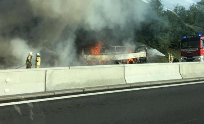 Almanya'da otobüste yangın! 18 ölü!