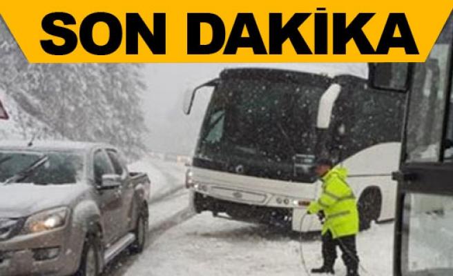 Bir otobüs 25 yolcusuyla birlikte Trodos'ta mahsur kaldı