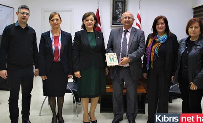 Eğitim Bakanı Özyiğit, Girne Inner Wheel Kulübü Yönetim Kurulu İle Görüştü