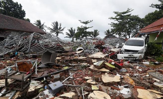 Endonezya'da Ölenlerin Sayısı Artıyor