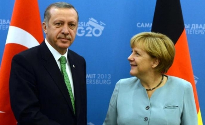 Erdoğan'dan Merkel'e 69 kişilik terör listesi