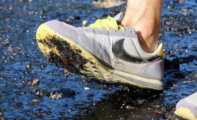 Fethiye'de aşırı sıcak asfalt eritti