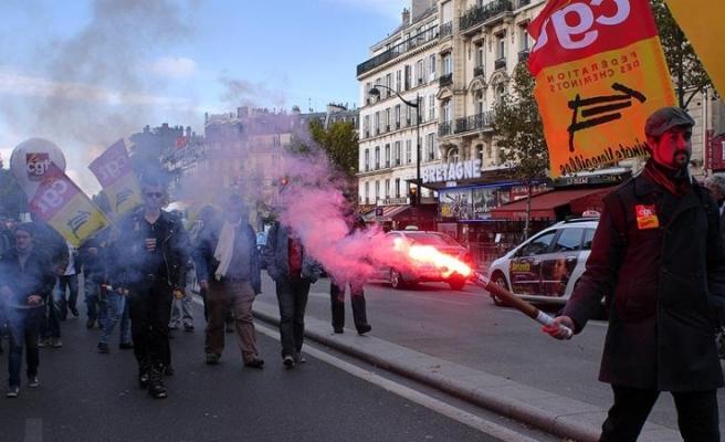 Fransa`Da Grev Ve Protesto Dalgası...