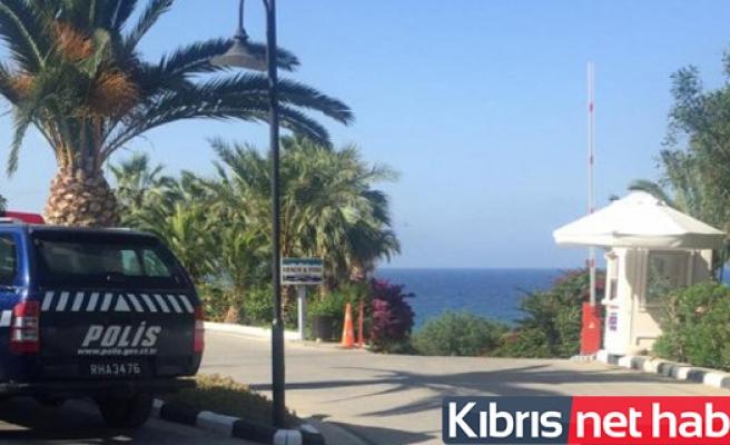 Girne'de denize girmek isteyen vatandaşlardan para istendi