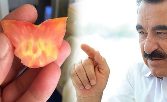 İbrahim Tatlıses kestiği domatesin içinde Allah yazısıyla karşılaşınca